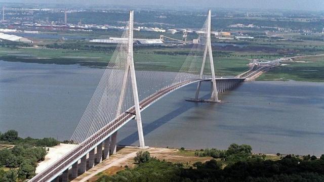le pont qui réuni